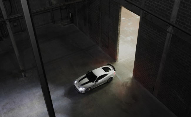 Jaguar-XKR-S-GT-2014-widescreen-01